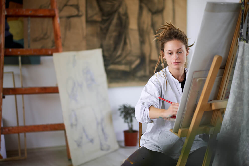 Künstler bei der Arbeit. BeiUntitled Premium Modern Art Kunstwerke kaufen.